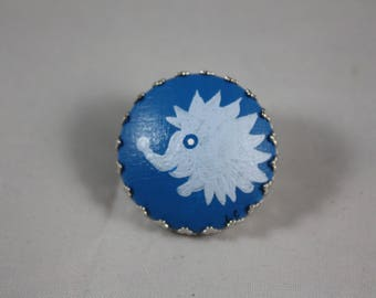Brooch 'Laurette' blue hedgehog