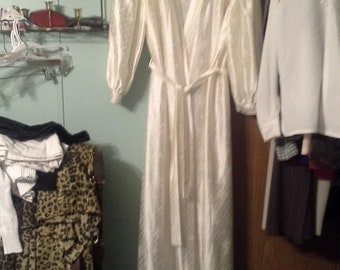 Lorraine womans full length robe size large