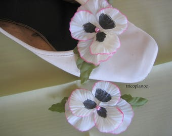Pair of clips for shoes and other thought white, blush