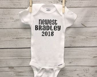 New baby onesie, baby announcement, arrival date onesie, baby girl onesie, baby boy onesie, new baby outfit, baby shower gift, baby onesie,