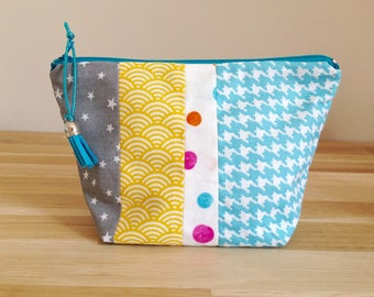 Pouch / makeup case in fabric, turquoise and yellow Patchwork.