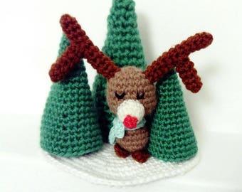 Décoration de Noël- petit rêne au crochet dans la forêt