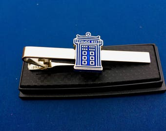 Dr Who TARDIS Police Call Box Tie Clip~Brand New