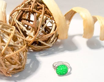 Green adjustable ring ,silver adjustable ring with green faux druzy 12mm stone,sparkly,glitter,shiny