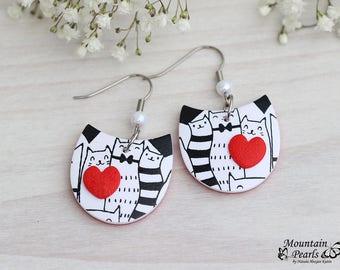 Cat Lover Earrings, Kitty Earrings, Black White Cat earrings, Cat Lover Gift, Pet Earring Jewelry, Cat Dangle Earrings, Cute Cat Earrings