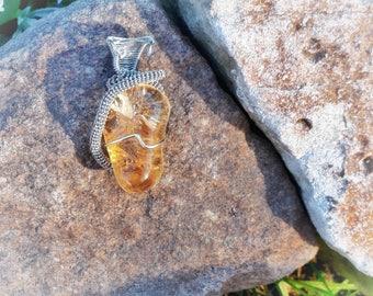 Citrine & silvered brass pendant. Wire-wrapping. Cytryn - zawieszka