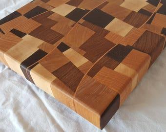 Chaotic Pattern Cutting Board