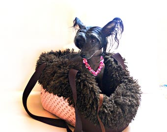 DOG CARRIER-pet carrier-dog carrier and hand bag-pet carrier bags-pet carrier-beautiful and lovely dog carrier- comfortable pet carrier