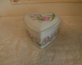 """Heart Shaped Roses Porcelain """"Especially For You"""" F.T.D. Trinket Box 1990s"""
