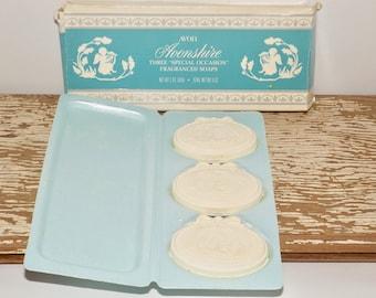 Avonshire Avon Soap set,fragranced soap,original box,set of 3 soaps,cherubs playing harp,vanity soap,bathroom soap,white decorated soap