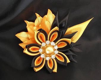 Flower brooch yellow and black/brooch pin/fabric satin/Kanzashi/jewelry/wife/Ribbon satin