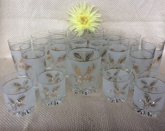 Stunning collection Covetro Italy tumblers gold wheat pattern white frosted 18 available