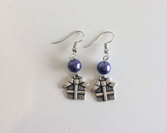Gifts of Christmas and purple beads earrings