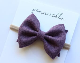 1 large felt bow || alligator clip or nylon headband