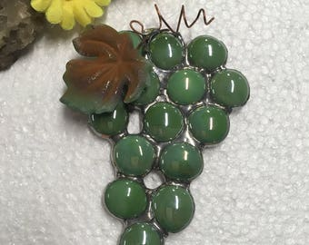 Green Glass Grape Cluster Sun Catcher Suncatcher