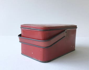 Vintage Lunch Box // Tin Box // Lunch Pail