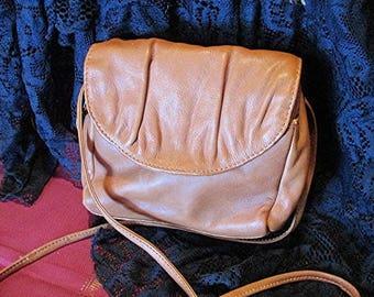Tan leather shoulder bag brown leather handbag genuine leather shoulder bag cross body bag made in India vintage 80's.