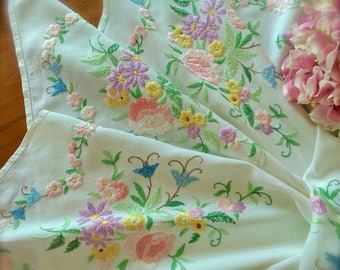 Exquisite Vintage Hand Embroidered Floral Linen Tablecloth