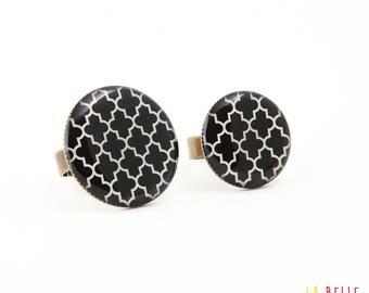 Black graphic pattern resin ring