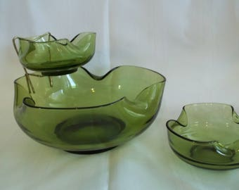 Vintage Avocado Green Glass Chip & Dip Set