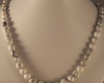 Howlite necklace progressive beads
