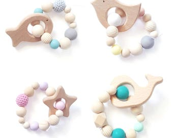 Bracelet teething rattle beads wood and silicone ring form - organic product.