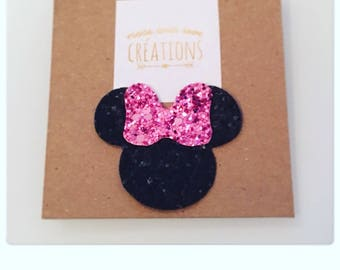"✨✨Mettez glitter in your life through the canvas black and pink glitter ""Minnie"" brooch"