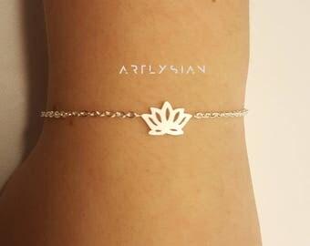 Lotus bracelet, Yoga om bracelet, lotus flower charm, lotus charm bracelet, ohm bracelet, lotus pendant, skinny bracelet, calming bracelets