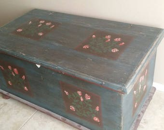 19th century Central Pennsylvania / Dutch style trunk with hand-painted folk-art motif.