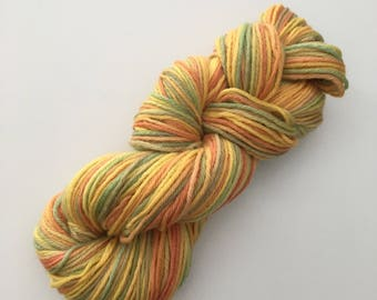 Wool hand dyed by hand 100% wool Aran