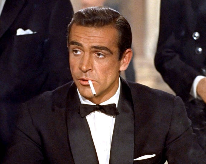 """Sean Connery as """"James Bond"""" in the 1962 Film """"Dr. No"""" - 8X10 or 11X14 Photo (ZY-495)"""
