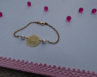 Bracelet rose and white beads