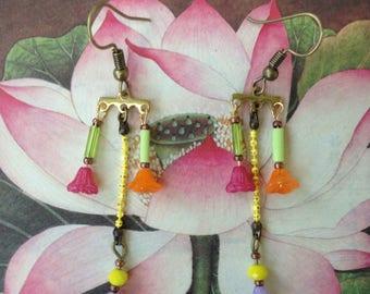 Earrings - earrings-glass flower beads drilled.