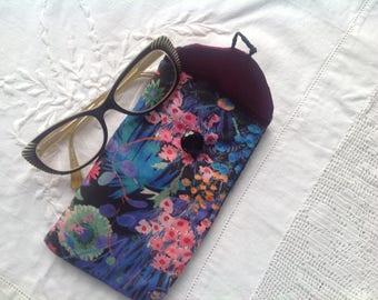 Eyeglass case, glasses case, spectacles case, eyeglass pouch . Floral cotton glasses case purple eyeglasses case .Glasses pouch.
