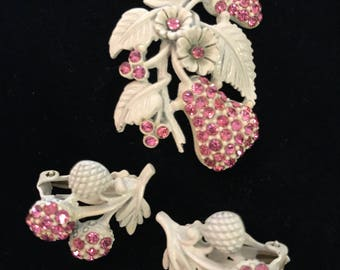 Rare Vintage White Enameled with Pink Rhinestones Jewelry Set