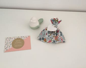 Small boxes or bags of sweets in betsy porcelain Liberty