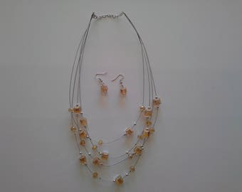Necklace glass beads on wire
