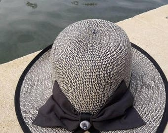 Two-tone straw cloche Hat form