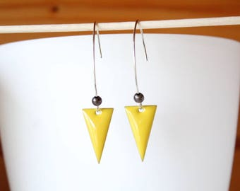 Elegant sequin enamelled yellow triangle earrings