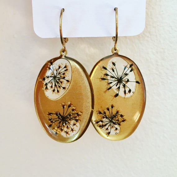 Queen Anne's lace flowers brass circle earrings