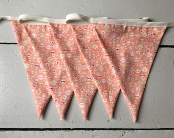 Vintage Peach Teapot Bunting. Suitable for kitchens, cooks gifts, gardens, Easter parties. Great for food lovers and tea drinkers!