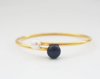 Ethereal-Black& White Pearl Bracelet