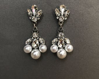 Clearance SALE - Bridal Earrings, rhinestone and pearls, Vintage silver bridal earrings rhinestones, pageant earrings