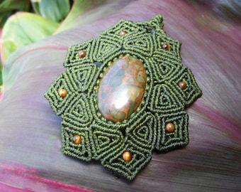 Pistachio Jasper Macrame Necklace with Tigers Eye Beads