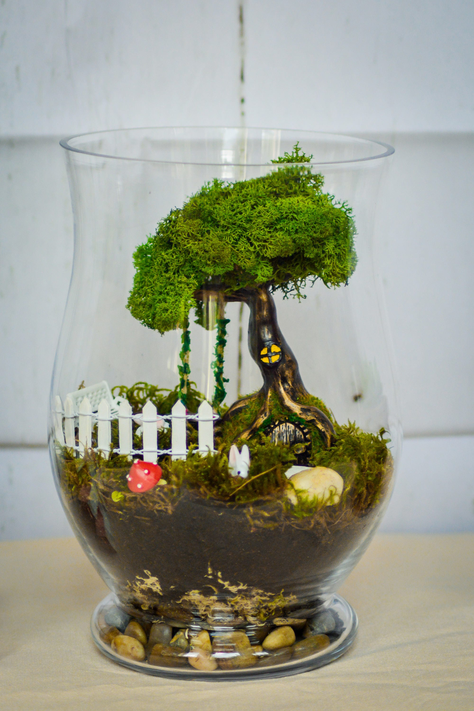Terrarium kits miniature garden moss terrarium living for Fairy door kits canada