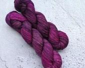 Pink grunge, Sock yarn (100g) Hand dyed sock yarn, 75% merino, 25 nylon.