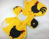 """Chickens - Yellow - 9.5"""" inch - 2L- Reusable Cloth Pad"""