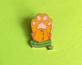 Orange kitty paw - Toe bean team- Hard enamel pin