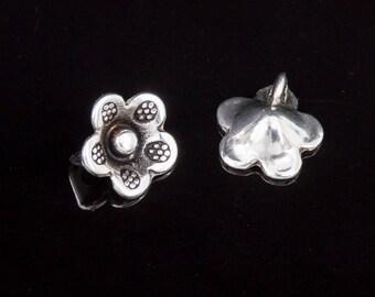 5 pendants 10mm flower