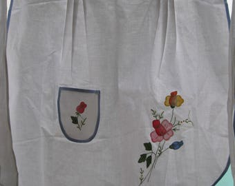 Vintage WHITE Half APRON=Crisp White Half Apron With Appliqued and Embroidery Flowers=Retro Half Apron Never Worn=Clean White Half Apron.